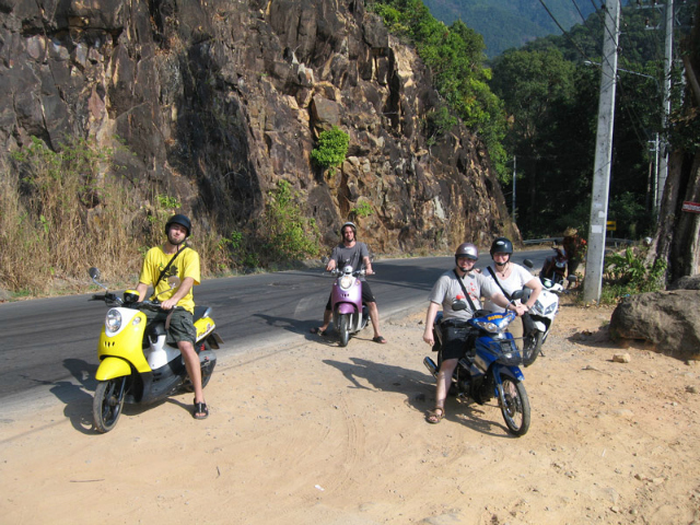 -the-motorbike-crew_koh-chang_thailand
