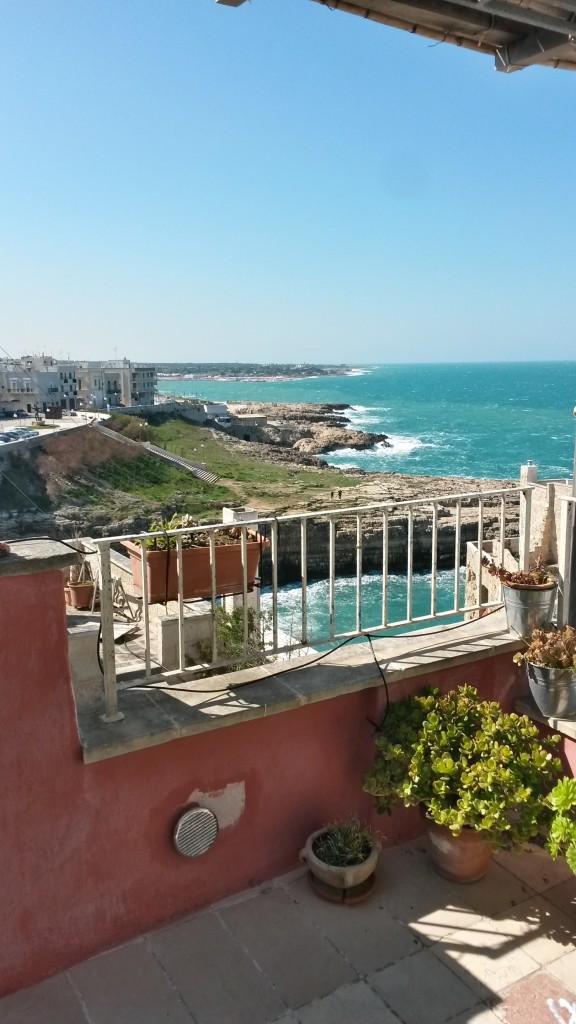 apartment balcony Poligano a Mare