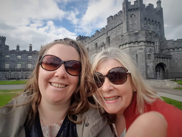 Kilkenny castle mother and daughter